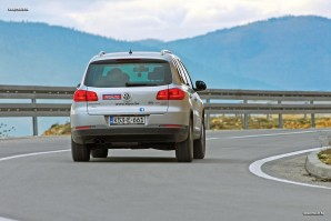 test-olkswagen-tiguan-20-tdi-dsg-4motion-sportstyle-2011-proauto-11