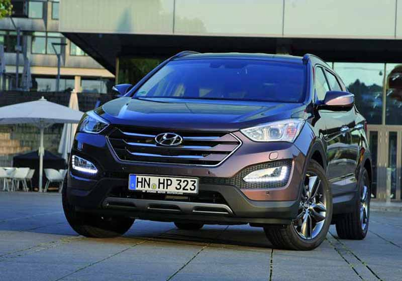 Model-Hyundai-Santa-Fe