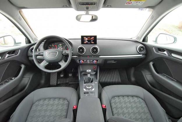 Test-Audi-A3-Sedan-04