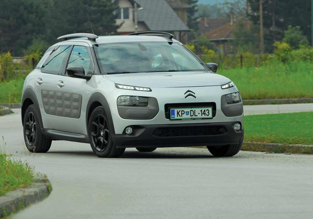 proauto test citroen c4 cactus feel edition silver e. Black Bedroom Furniture Sets. Home Design Ideas