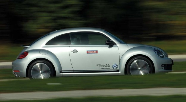 test-volkswagen-beetle-20-tsi-dsg-2012-proauto-3-bube-05