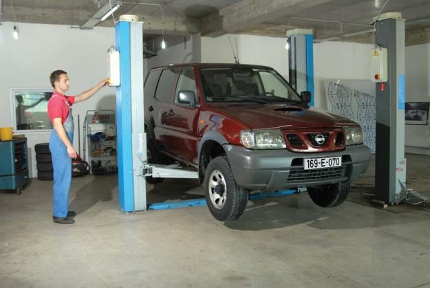 polovni-nissan-terrano-autohit-2011-proauto-01