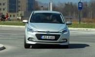 test-hyundai-i20-14-4at-brilliant-2015-proauto-02