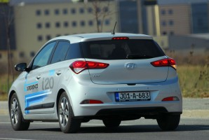 test-hyundai-i20-14-4at-brilliant-2015-proauto-31