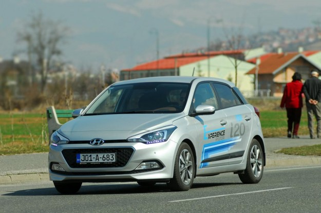 test-hyundai-i20-14-4at-brilliant-2015-proauto-42