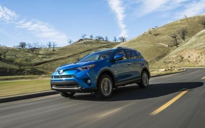 Toyota već predstavlja redizajniranog RAV-a4