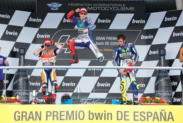 automotosport-2015-moto-gp-podijum-espana-46-rossi-93-marquez-99-lorenzo-proauto