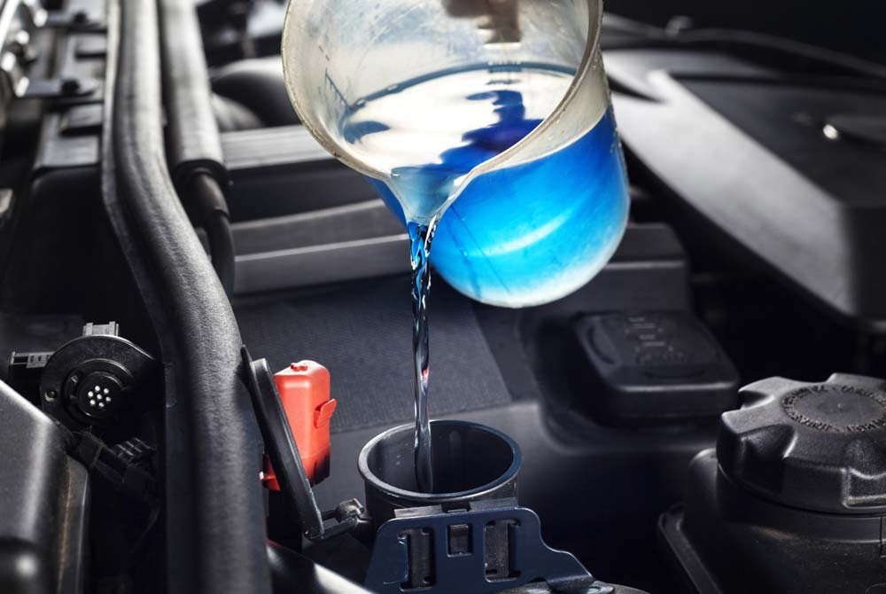ProAuto – Ne štedite na antifrizu – sipanjem vode u hladnjak uništivate motor