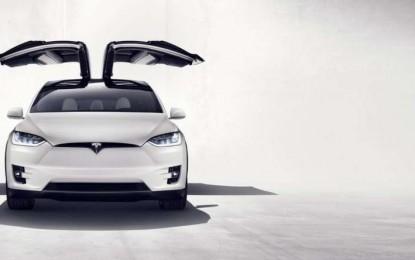 Otkriven impresivni futuristički SUV Tesla Model X
