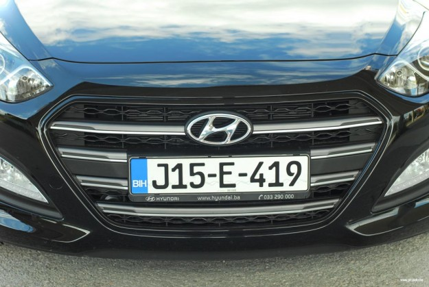 test-hyundai-i30-fl-1-4-dohc6mt-isky-plus-2015-proauto-05