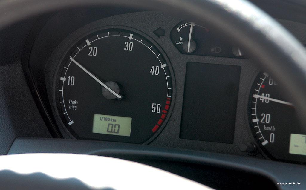 savjeti-kocenje-motorom-proauto-01