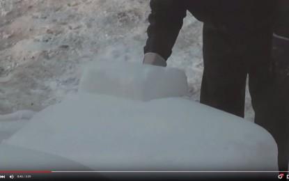 Domišljata vještina čišćenja automobila od snijega – za one koji se žele nasmijati [Video]