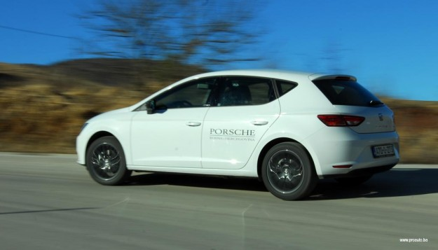 test-seat-leon-style-16-tdi-cr-connect-2015-proauto-47