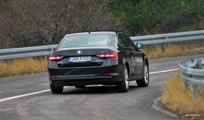 test-skoda-superb-20-tdi-4×4-2016-proauto-53