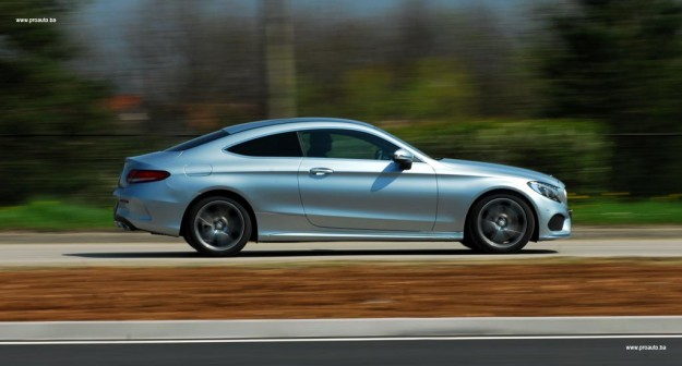test-mercedes-benz-c-180-coupe-C205-2016-proauto-42