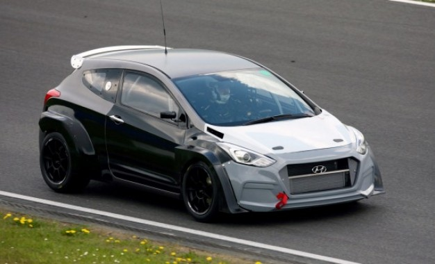 Hyundai i30 N cilja da bude među najboljim i najbržim kompaktima današnjice [Video]