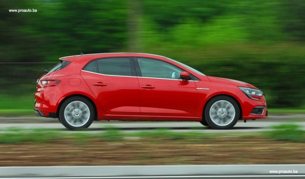 test-renault-megane-intens-energy-dci-110-ss-2016-proauto-23