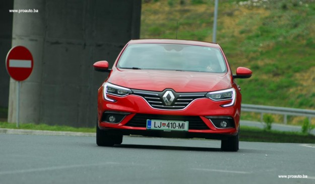 test-renault-megane-intens-energy-dci-110-ss-2016-proauto-24