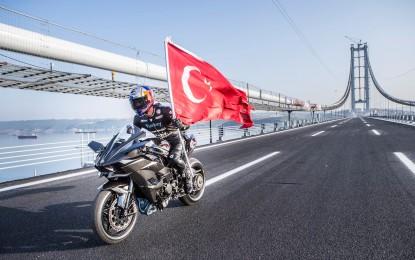 Turski motociklista Kenan Sofoglu vozio 400 km/h Kawasakija H2R [Video]