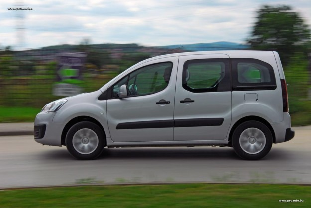 test-citroen-berlingo-multispace-feel-bluehdi-100-bvm-2016-proauto-15