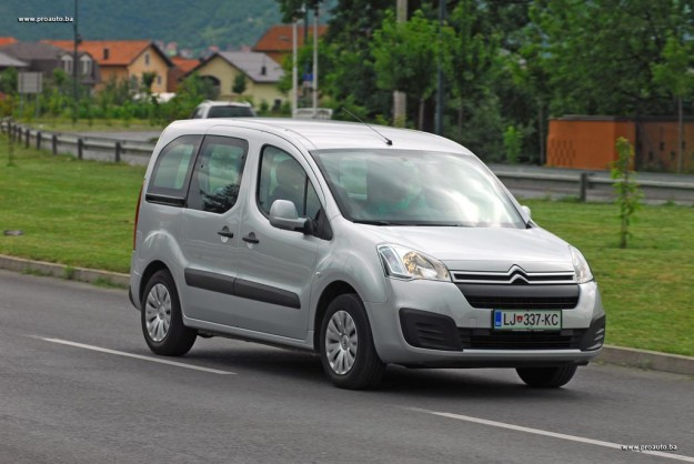 test-citroen-berlingo-multispace-feel-bluehdi-100-bvm-2016-proauto-20