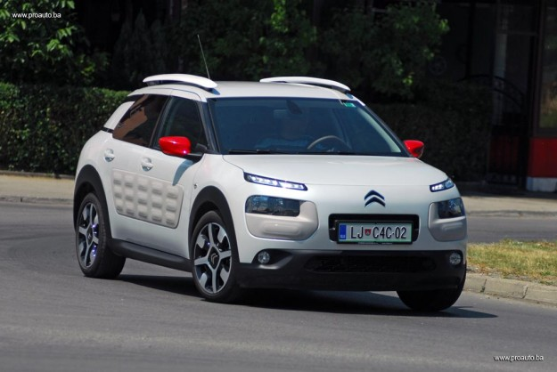proauto test citroen c4 cactus shine puretech 82 bvm. Black Bedroom Furniture Sets. Home Design Ideas