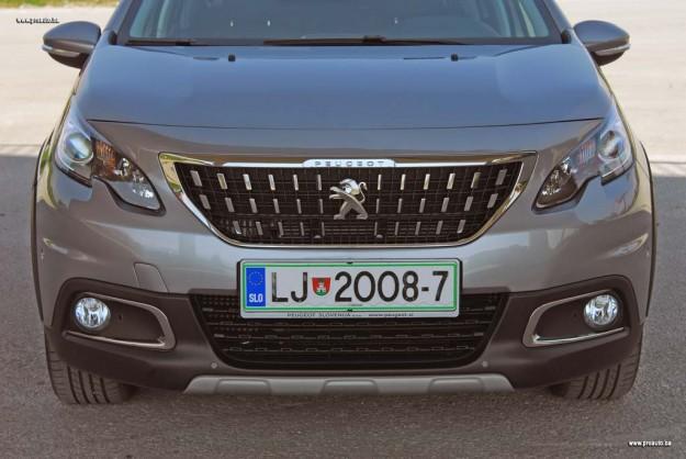 test-peugeot-2008-allure-16-bluehdi-120-start-stop-fl-2016-proauto-10