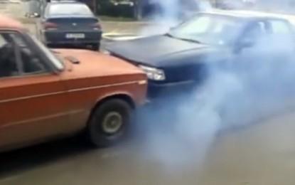 Audi 80 i Lada kao hrvači – pogledajte koji je snažniji u ovom gotovo nevjerovatnom videu