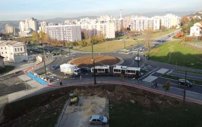 Puštanjem u saobraćaj kružnog toka u sarajevskom naselju Mojmilo, izgradnja A transverzale privodi se kraju