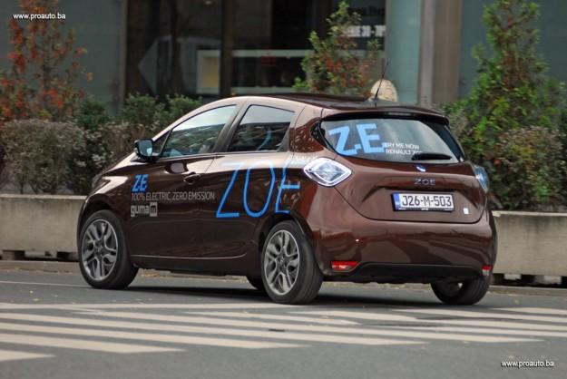 test-elektricni-renault-zoe-intens-q210-zero-emission-2016-proauto-03