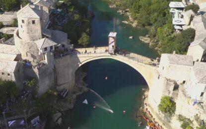Hyundai oficijelno vozilo takmičenja Red Bull Cliff Diving Mostar 2017