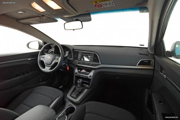 test-hyundai-elantra-16-mpi-6at-style-2017-proauto-20