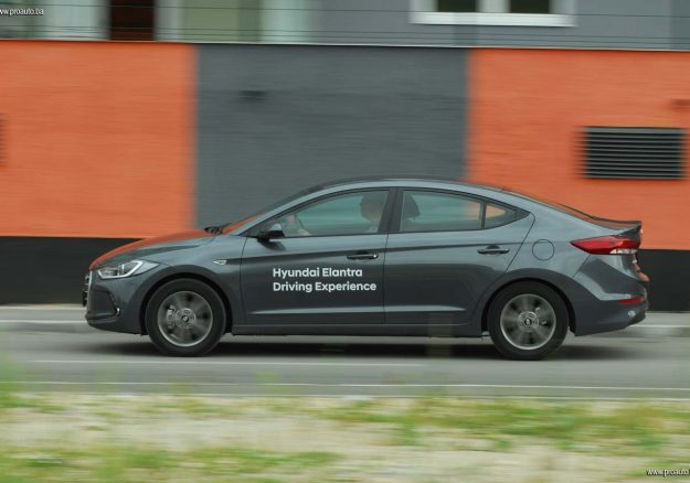 TEST – Hyundai Elantra 1.6 MPI 6AT Style