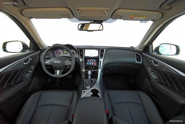 test-infiniti-q50-premium-22d-at7-2017-proauto-55