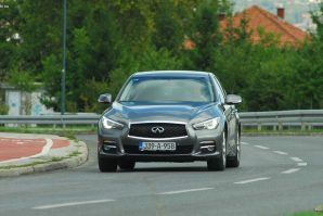 test-infiniti-q50-premium-22d-at7-2017-proauto-61