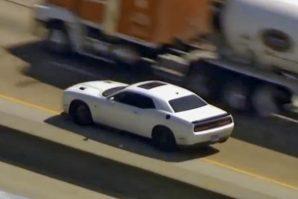 Policija morala odustati od automobilske potjere za ukradenim brzim Dodgeom Challenger Hellcatom, pa upotrijebili helikoptere [Video]