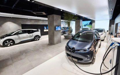 """Multibrand EV store """"Electric Vehicle Experience Center"""" nudi čak 59 različitih električnih automobila i poručuje: """"Nije bitan brend, bitna je tehnologija!"""""""