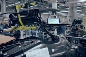 BMW i8 Roadster spušta krov za 14 sekundi [Video]