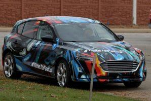 Nove slike novog Forda Focusa sa nesvakidašnjom kamuflažom [Galerija]