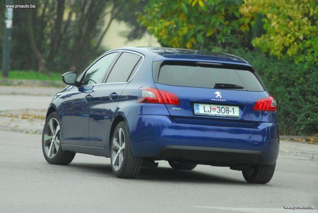 test-peugeot-308-fl-allure-16-bluehdi-120-euro6-bvm6-stop-start-2017-proauto-45