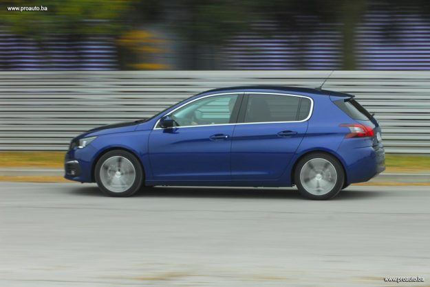 test-peugeot-308-fl-allure-16-bluehdi-120-euro6-bvm6-stop-start-2017-proauto-59