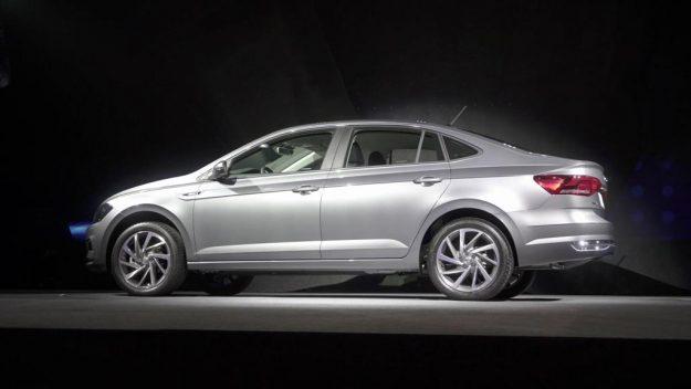 volkswagen-virtus-vw-polo-sedan-2017-proauto-04