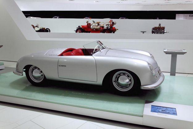 jubilej-70-godina-sportskih-automobila-porsche-2018-proauto-06-porsche-356-no1-roadster-1948-museum