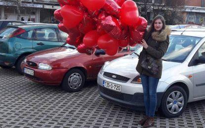 """Povodom nove Fordove servisne akcije """"Vašem Fordu također treba malo ljubavi"""", """"zabljesnuli"""" baloni u obliku crvenog srca na Fordovima u Sarajevu"""