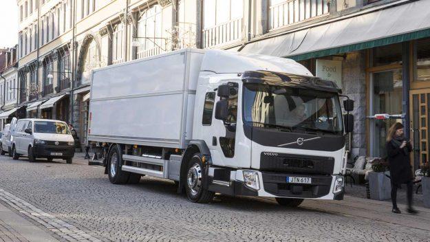 kamioni-volvo-trucks-volvo-fe-lec-2018-proauto-01