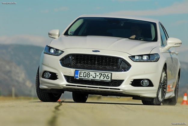 test-ford-mondeo-titanium-20-tdci-powershift-awd-180-2018-proauto-77