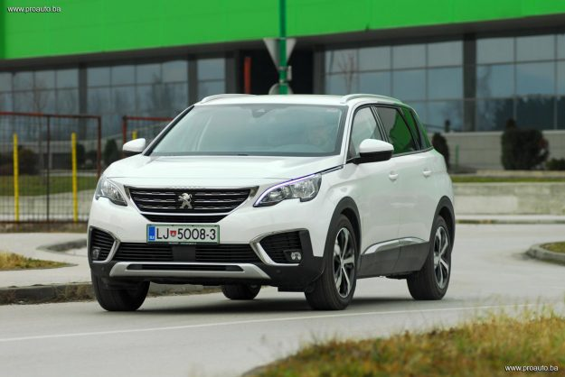 test-peugeot-5008-allure-16-bluehdi-120-stop-start-eat6-2018-proauto-19