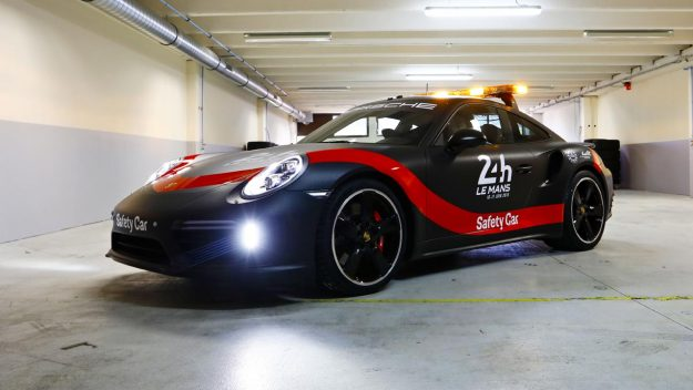 porsche-911-turbo-safety-car-fia-wec-24h-le-mans-2018-proauto-05