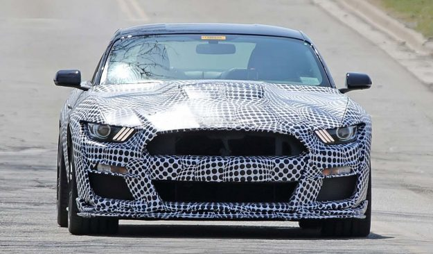 ford-mustang-shelby-gt500-spy-photo-2018-proauto-04