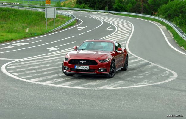 test-ford-mustang-fastback-23-ecoboost-s6-m6-2018-proauto-54